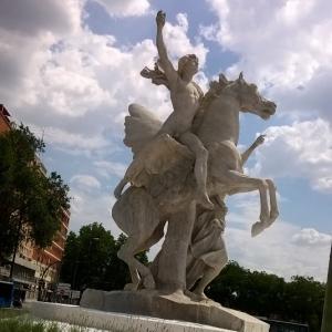 estatuamarmol